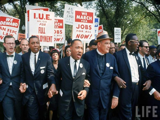 http://theoldspeakjournal.files.wordpress.com/2013/04/martin-luther-king-jr-march.jpg